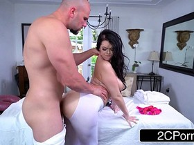Bored Young Wife Ryan Smiles Fucks Her New Massage Therapist