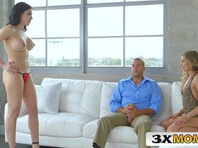 Horny Teen Sydney Cole Wants to Share Her Stepmom's Cassandra Cain's Date